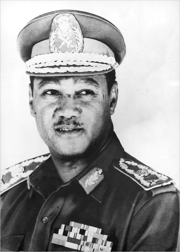 جعفر محمد النميرى رئيس السودان الاسبق